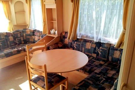 Camping de Reeenwissel Drenthe huurcaravan zithoek