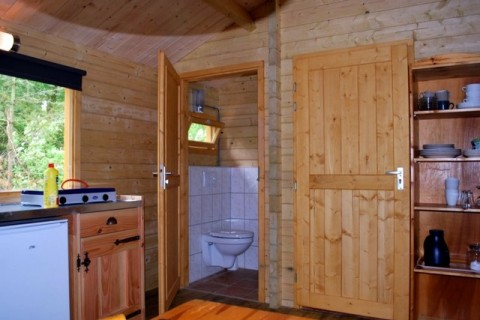 Camping Diever luxe blokhut interieur