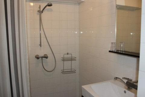 gGroepsaccommodatie Hoeve t Wed badkamer