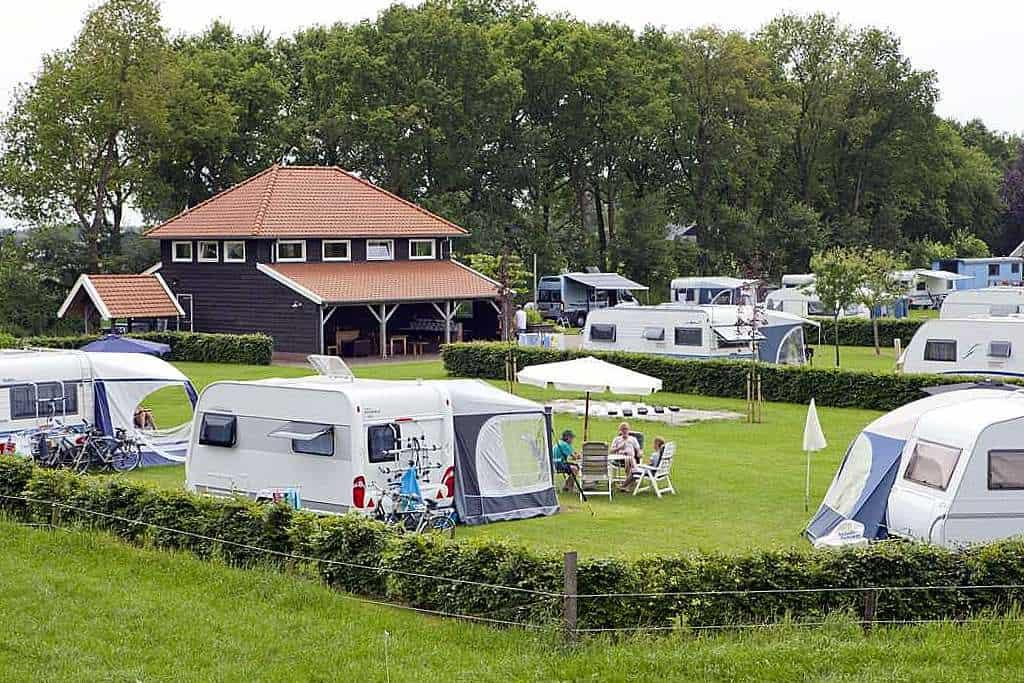 Camping Noordenveld overzicht over het terrein