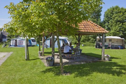 Camping Noordenveld praathuisje