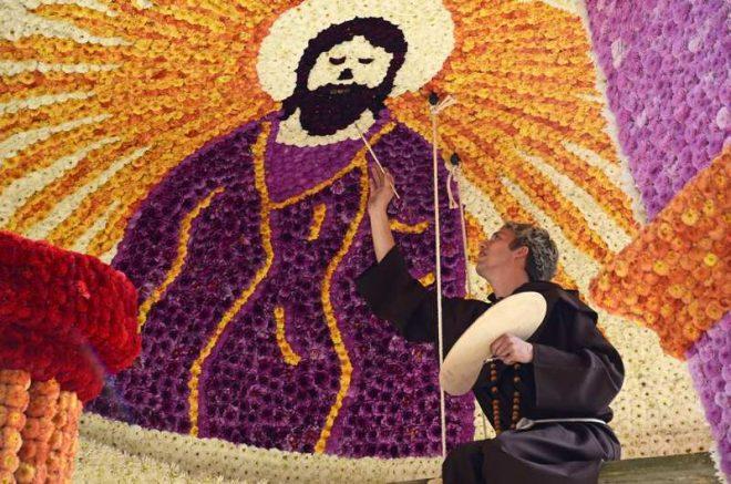 Bloemencorso Frederiksoord Fresco Schildering Voorstellende Jezus Fotograaf Leni Jacobs Vromans