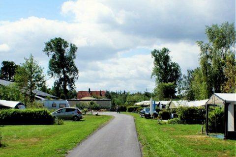 Camping Oudewillemsveldt geasfalteerde paden